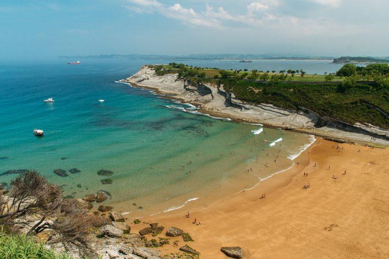 Qué ver y hacer en Santander en las playas de Mataleñas
