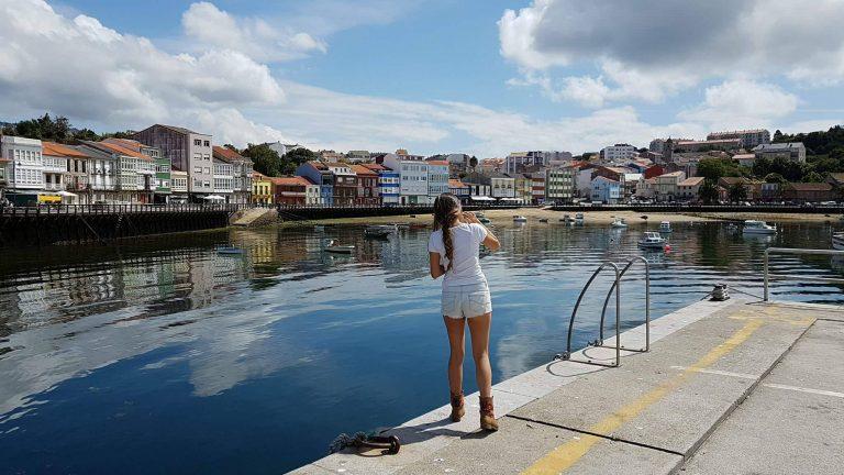 Mirando al puerto pesquero de Mugardos