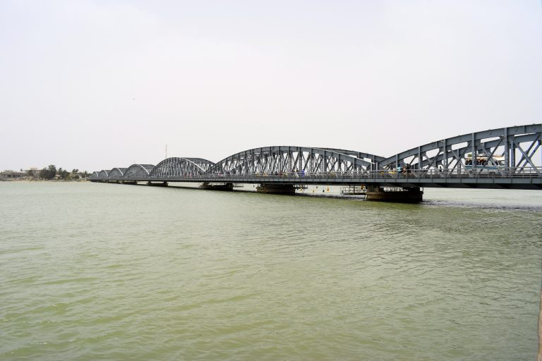 Puente que ver en Saint Louis, en Senegal
