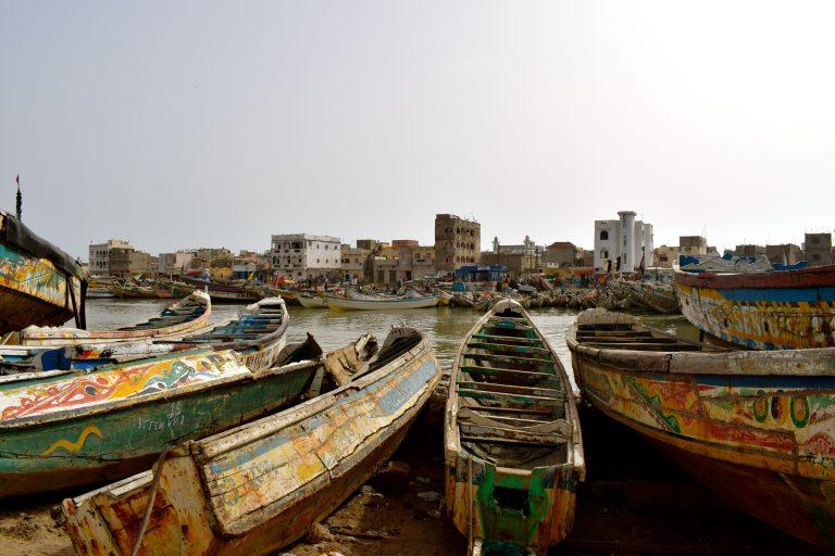 Barcos pesqueros en Saint Louis, Senegal