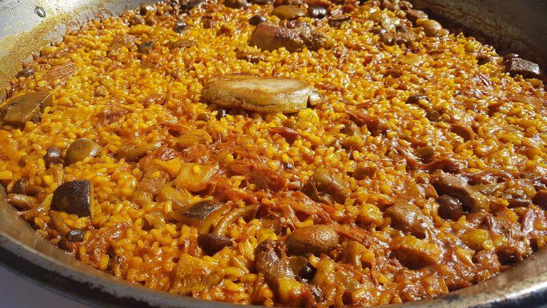 Comer una paella valenciana en el Palmar, qué ver y qué hacer en Valencia